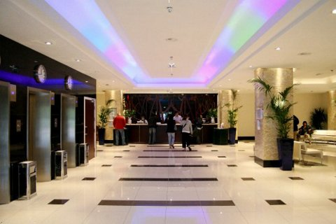 Project met toegepaste LED lampen en verlichting RGB en warm wit